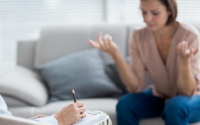 immagine mobile La presa in carico psicologica delle vittime di violenza domestica. Una breve riflessione